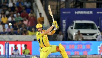 Shane Watson bats with a bloodied knee